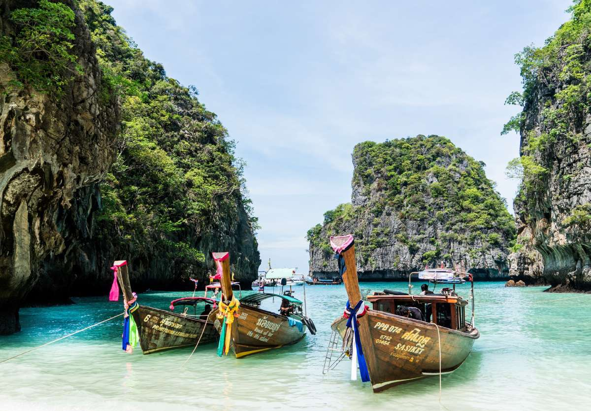 the-yacht-charter-seasons-thailand -- Lamima