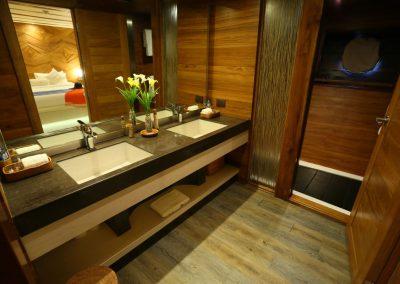 LAMIMA-Luxury-Sailing-Yacht-37