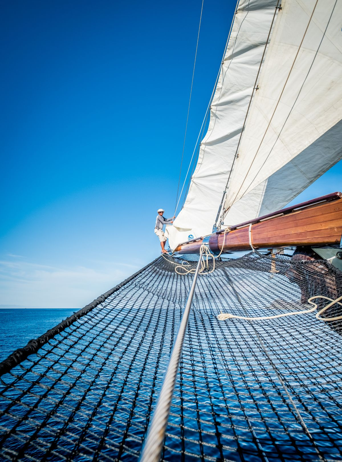 LAMIMA-Luxury-Yacht-Charter-Indonesia-03