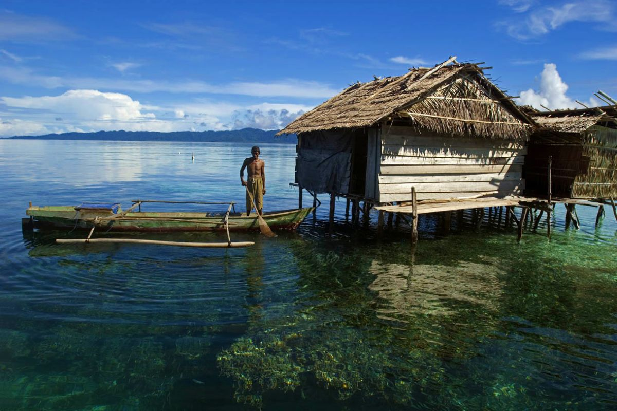 LAMIMA-Luxury-Yacht-Charter-Indonesia-12