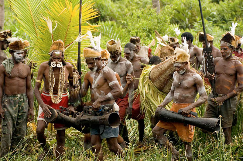 Of Exotic Art and Ancient Culture – Visiting the Asmat Tribe in the Agat Region
