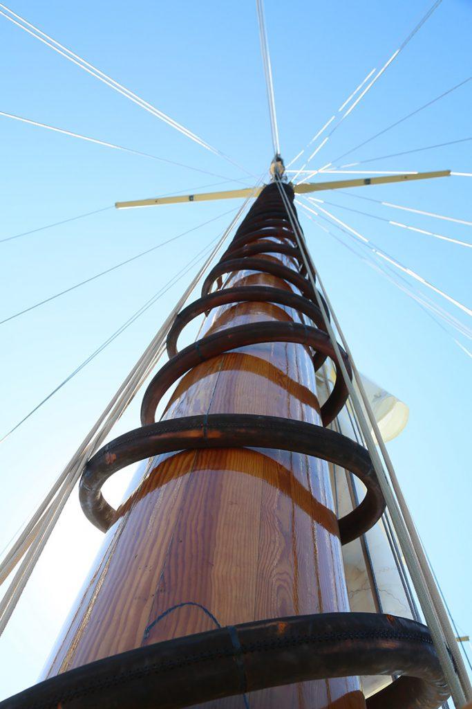 Main mast is 48 meters.