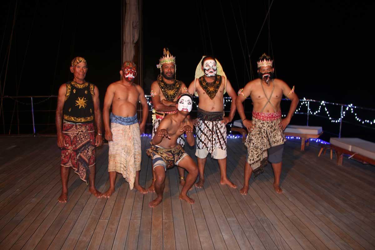 Lamima crew performing the Wayang Orang – A traditional Indonesian dance